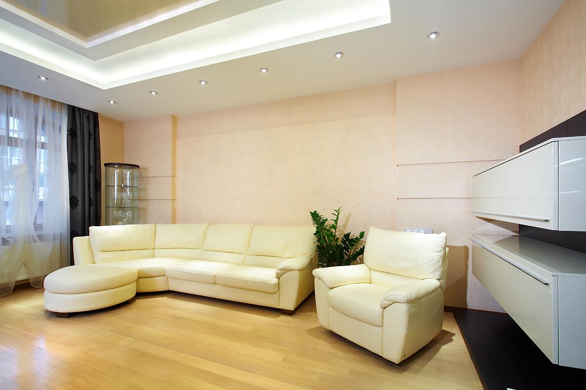Бежевый диван и кресло в стиле минимализм