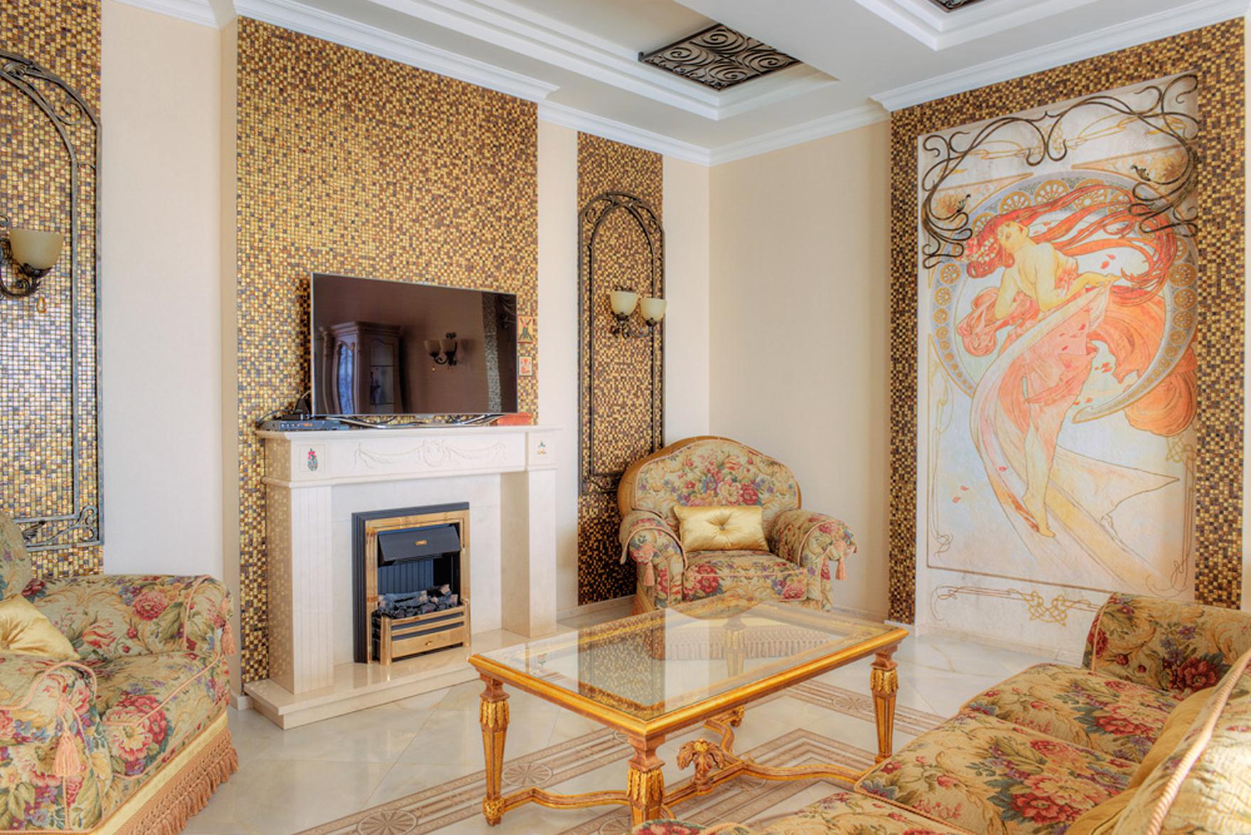 Мебель с цветочным принтом в стиле модерн