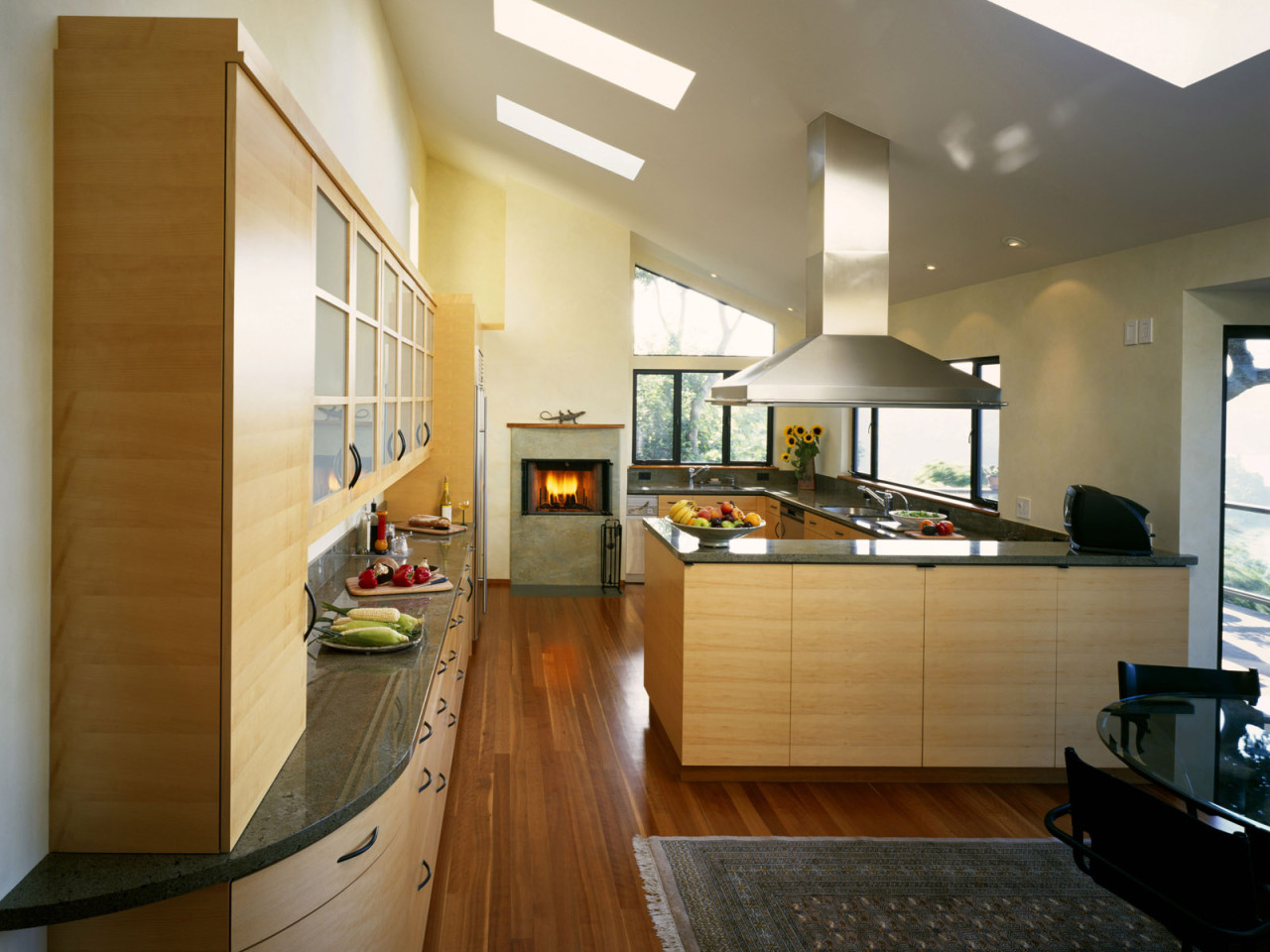 Бежево-серый кухонный гарнитур в стиле модерн