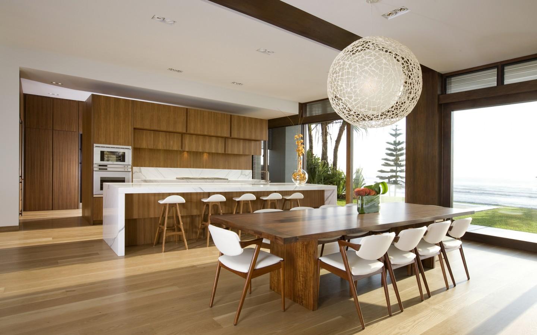 Коричнево-белый кухонный гарнитур в стиле модерн