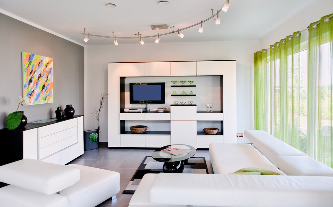Черно-белая мебель в уютной гостиной в стиле хай-тек