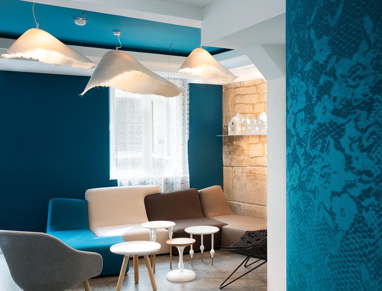 Голубая гостиная в стиле модерн