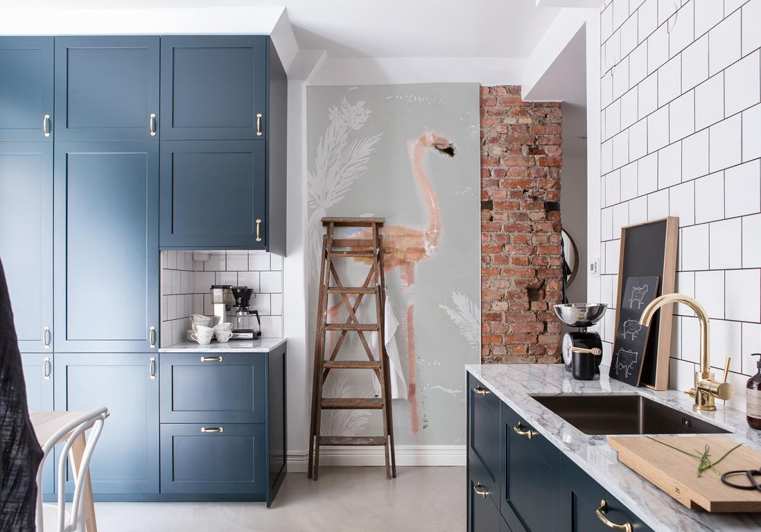 Кухня в голубых тонах в стиле модерн