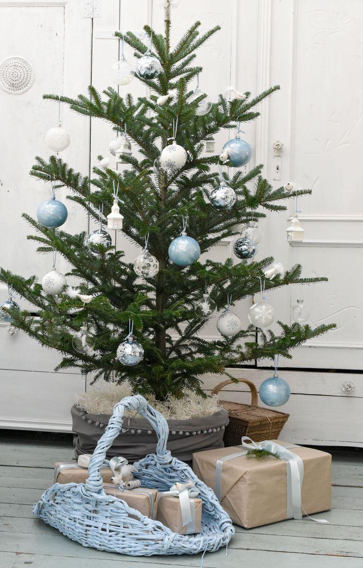 Оформление новогодней небольшой елки