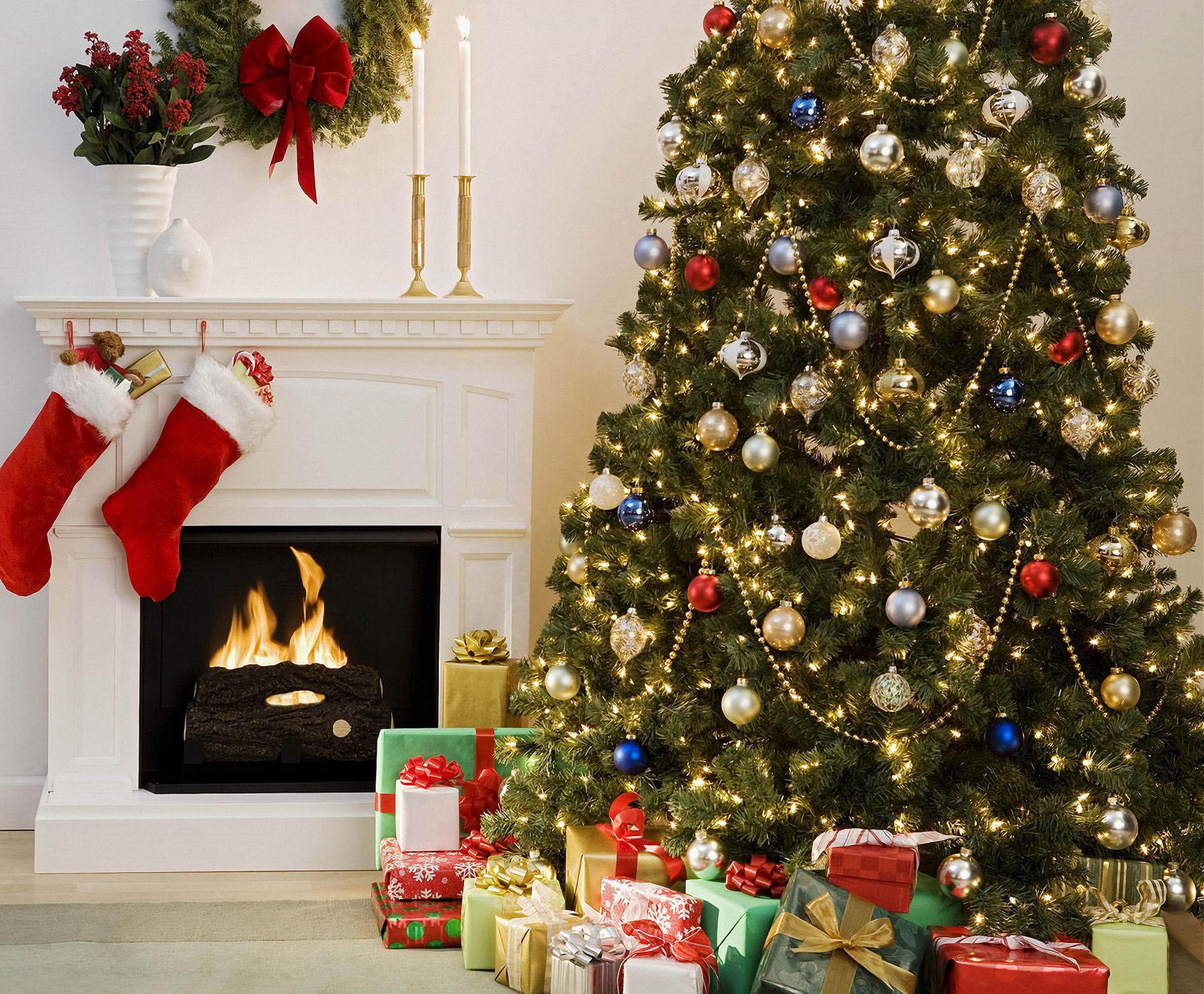 Оформление большой елки на Новый год