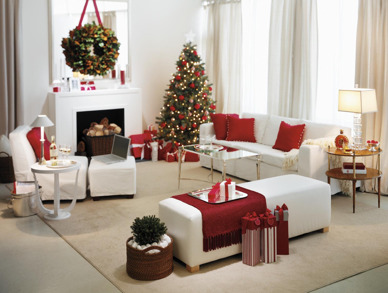 Красно-белая гостиная на Новый год