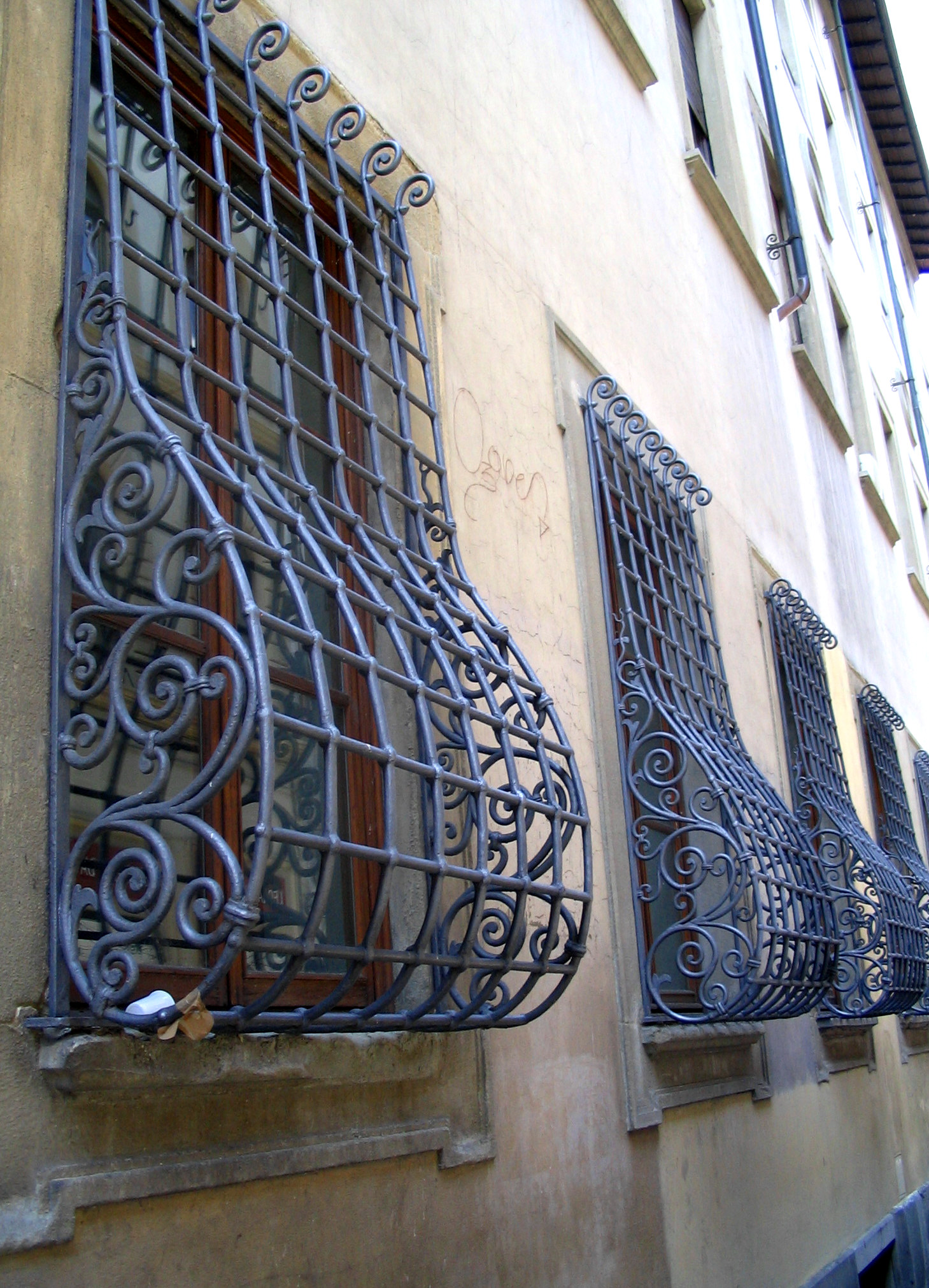 Решетка на окно объемная