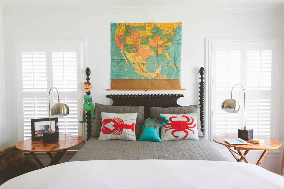 Карта в изголовье кровати