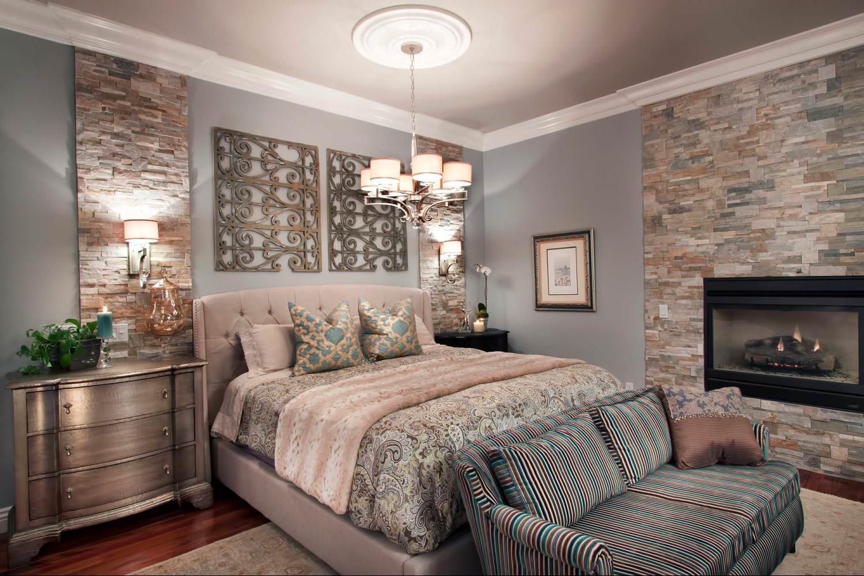 Серый, коричневый и розовый цвета в спальне