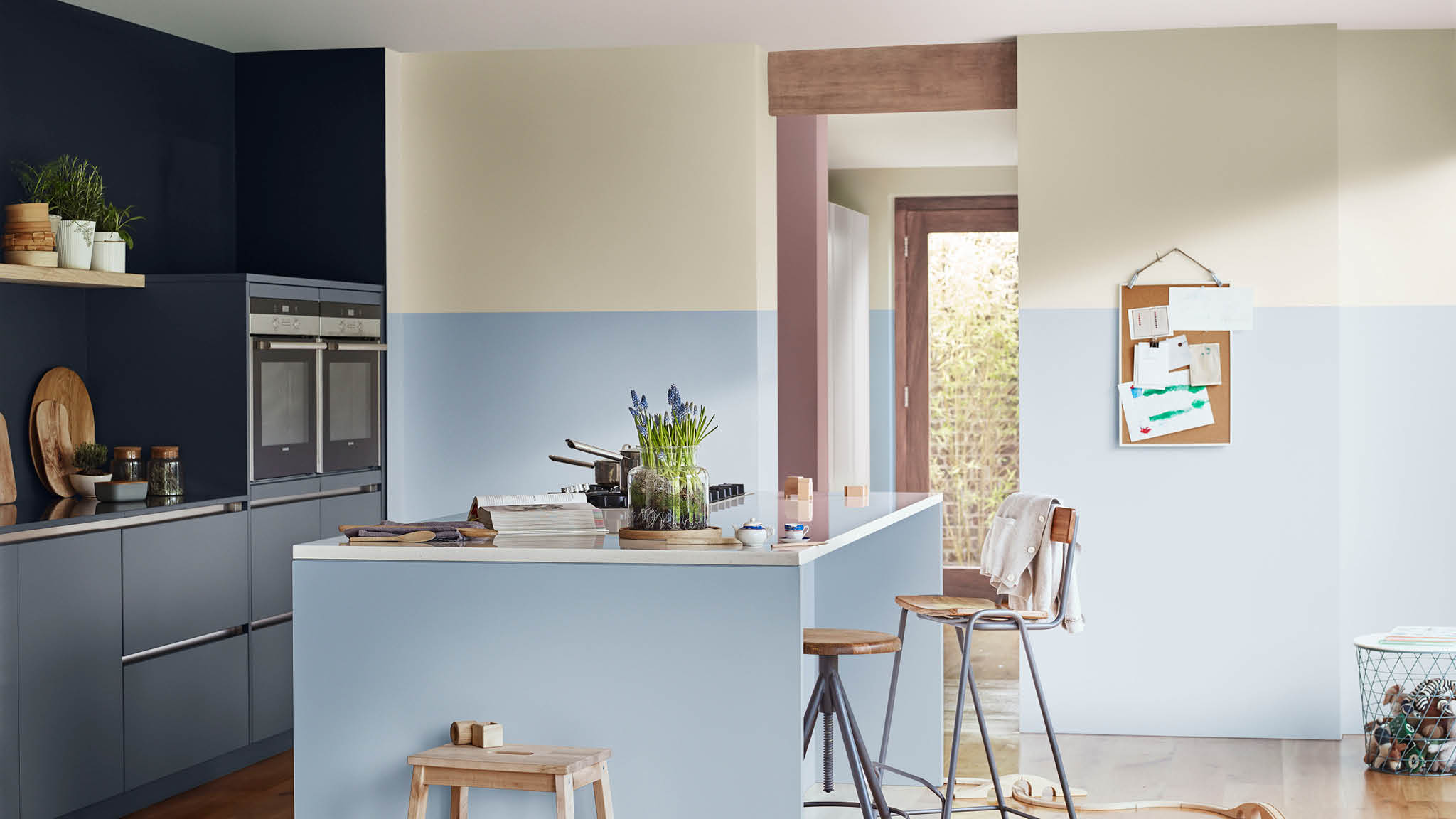 Кухня в голубых тонах оформление