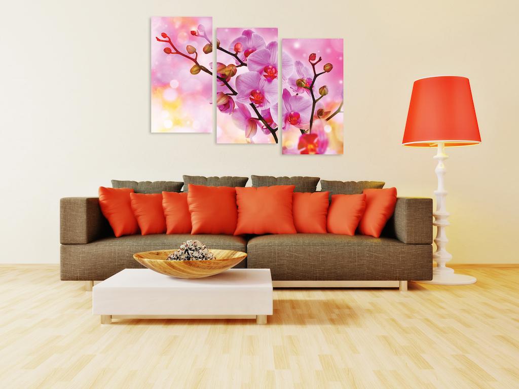 Картины с орхидеями в гостиной