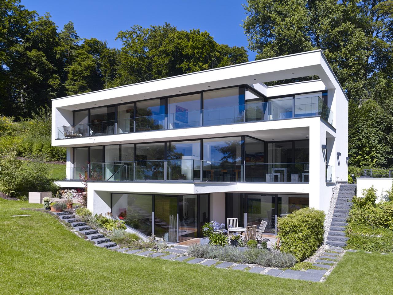 Остекление трехэтажного дома