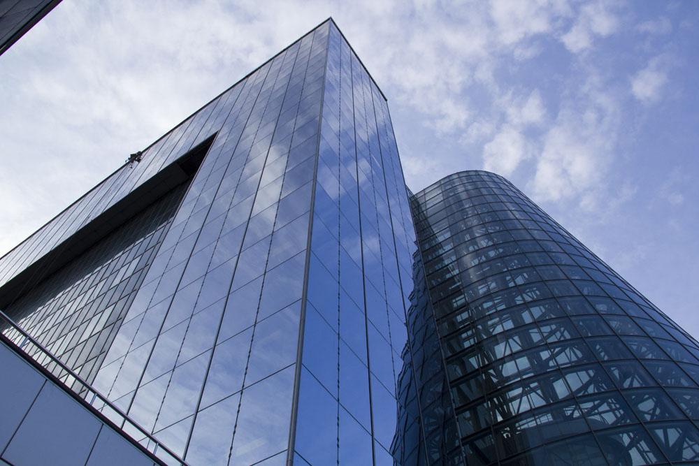 Структурное остекление здания