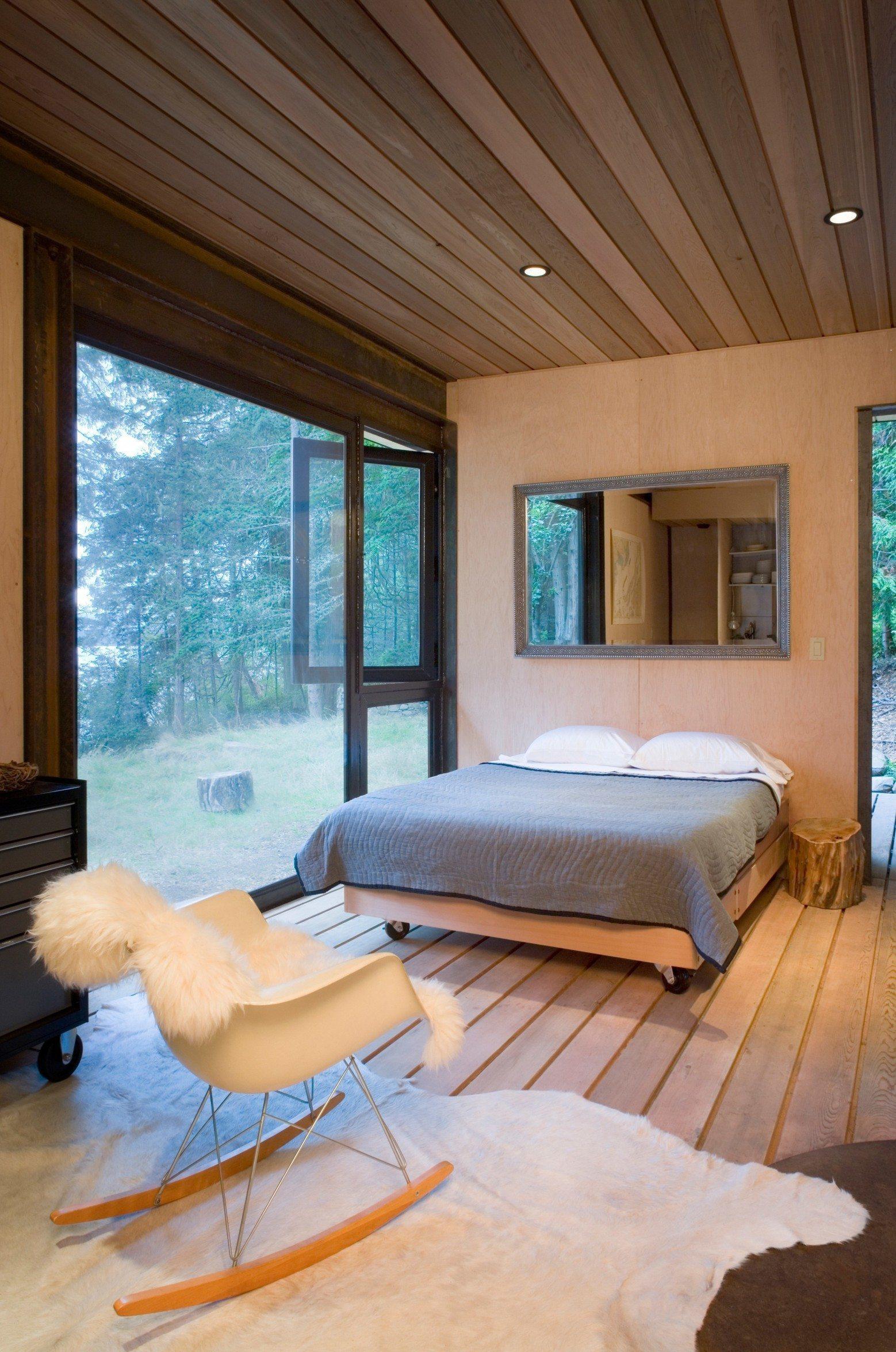Дизайн спальни 18 кв м с панорамным окном