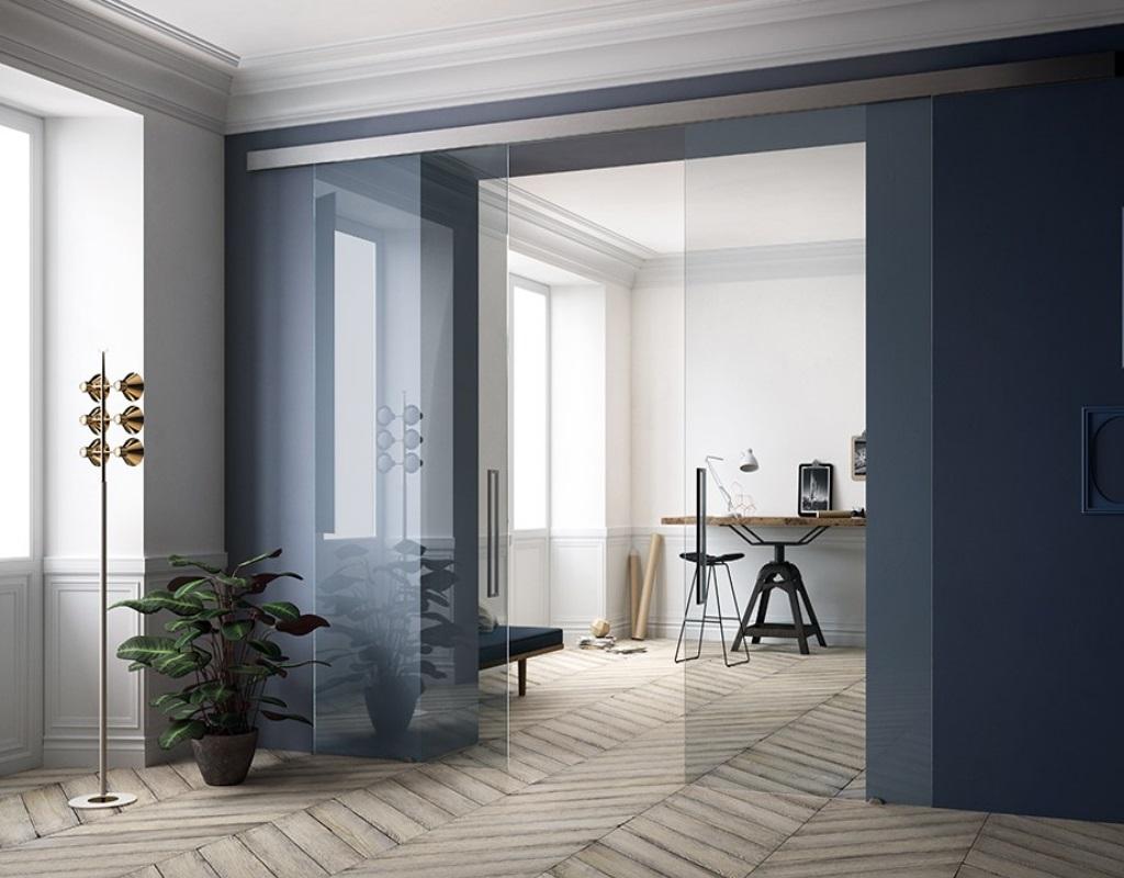 Прозрачные стеклянные двери в кабинет