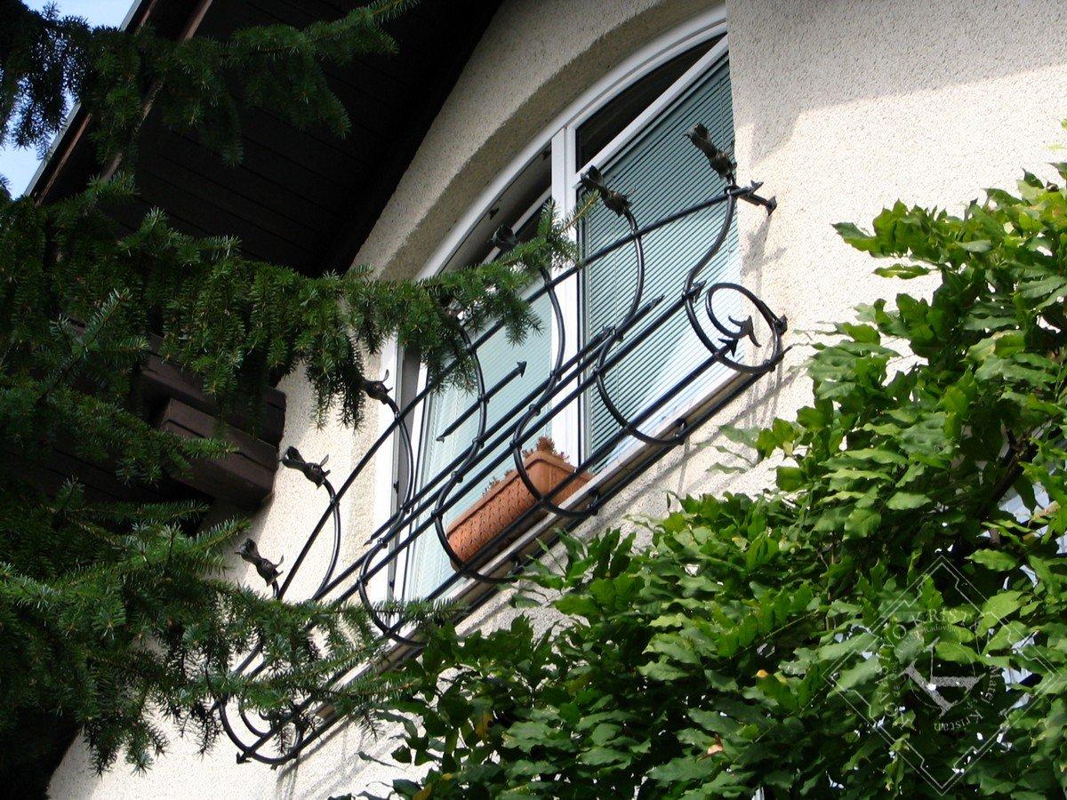 Решетка-перила на окно