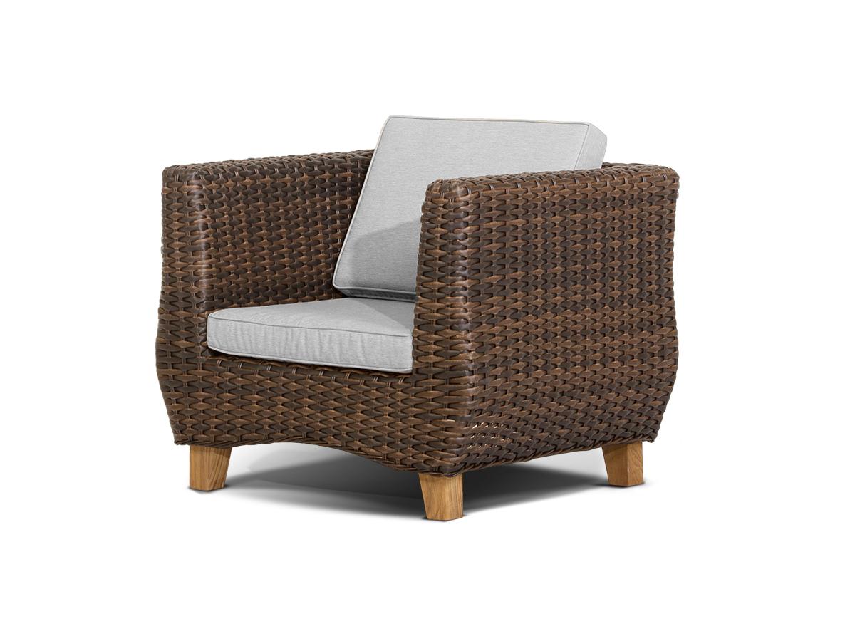 Плетеное большое кресло
