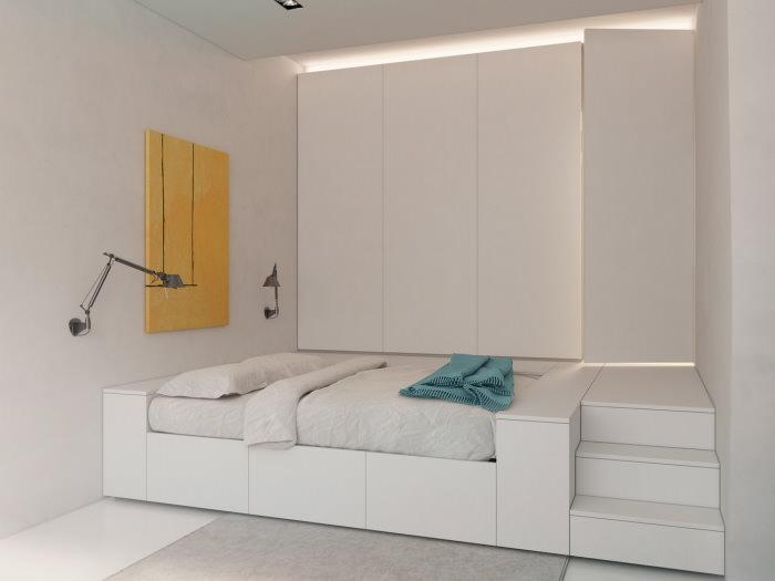 Белая спальня с высоким подиумом