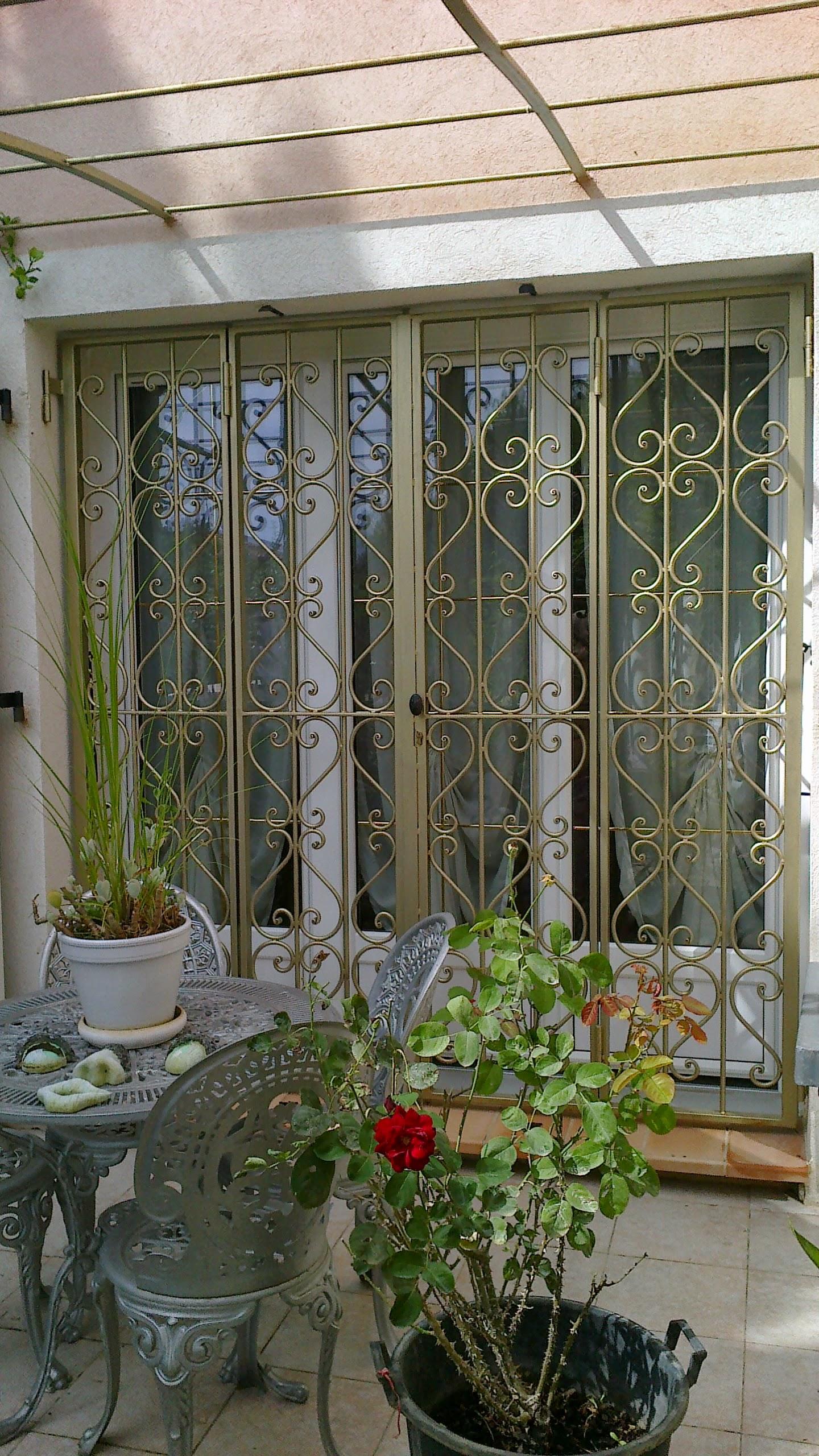 Решетка на окно распашная