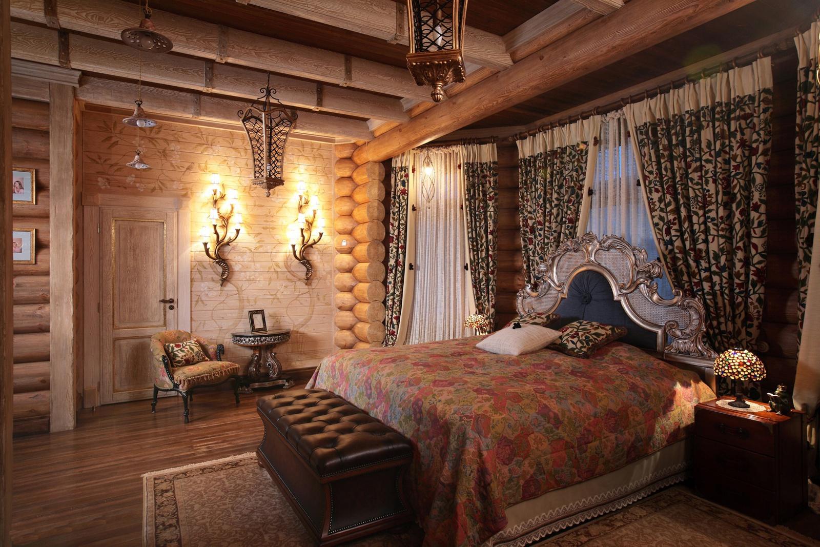 Просторная спальня в русском стиле