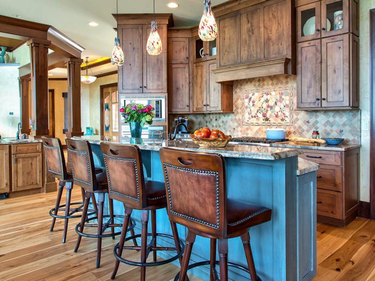 Кухня в голубых тонах рустикальная
