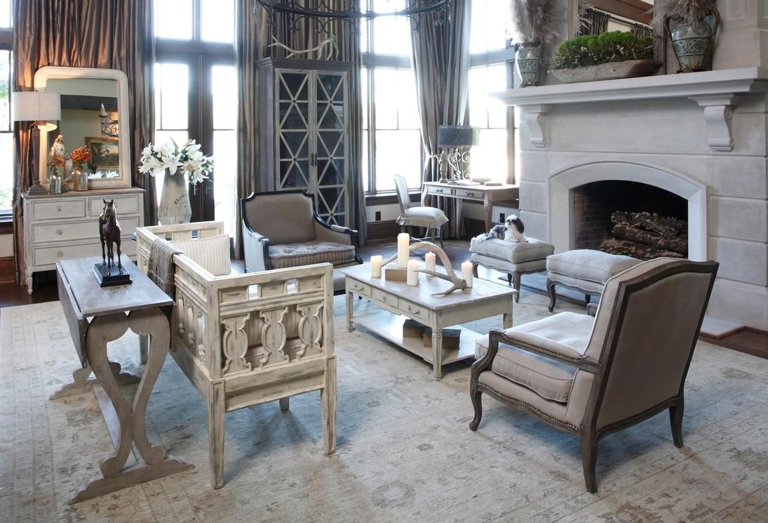 Серо-белая гостиная в стиле шебби-шик