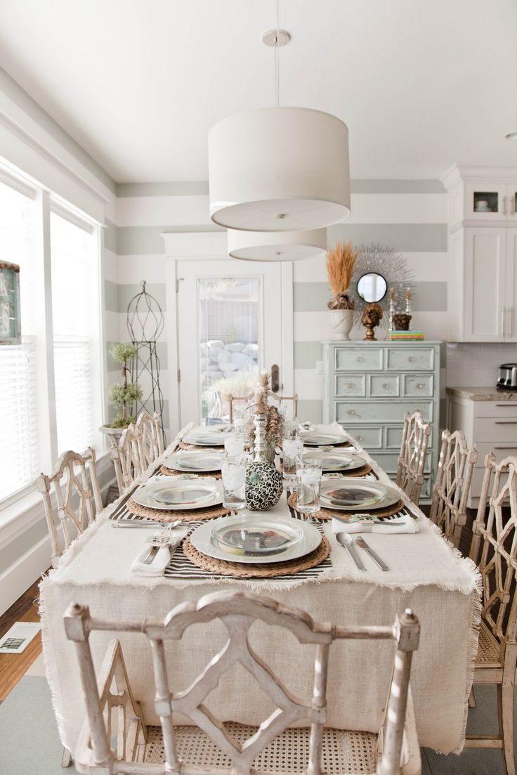 Красивая столовая в стиле шебби-шик