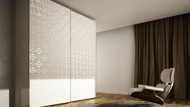 Рельефный белый фасад шкафа-купе