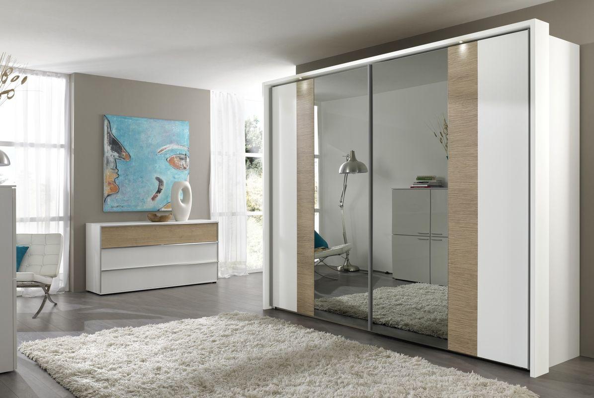 Бежево-белый зеркальный шкаф-купе