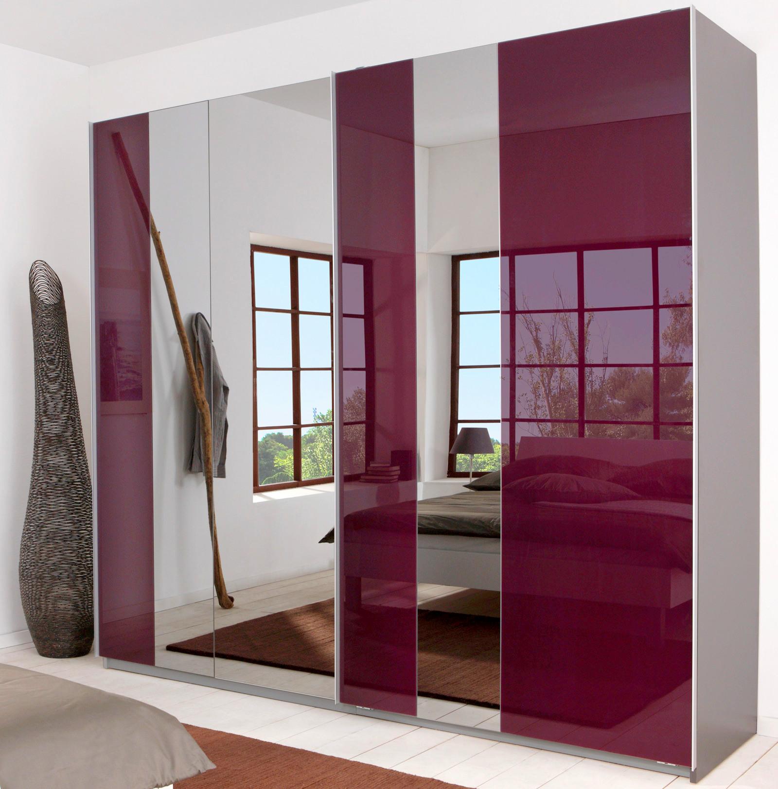 Серо-розовый глянцевый шкаф-купе с зеркальными вставками