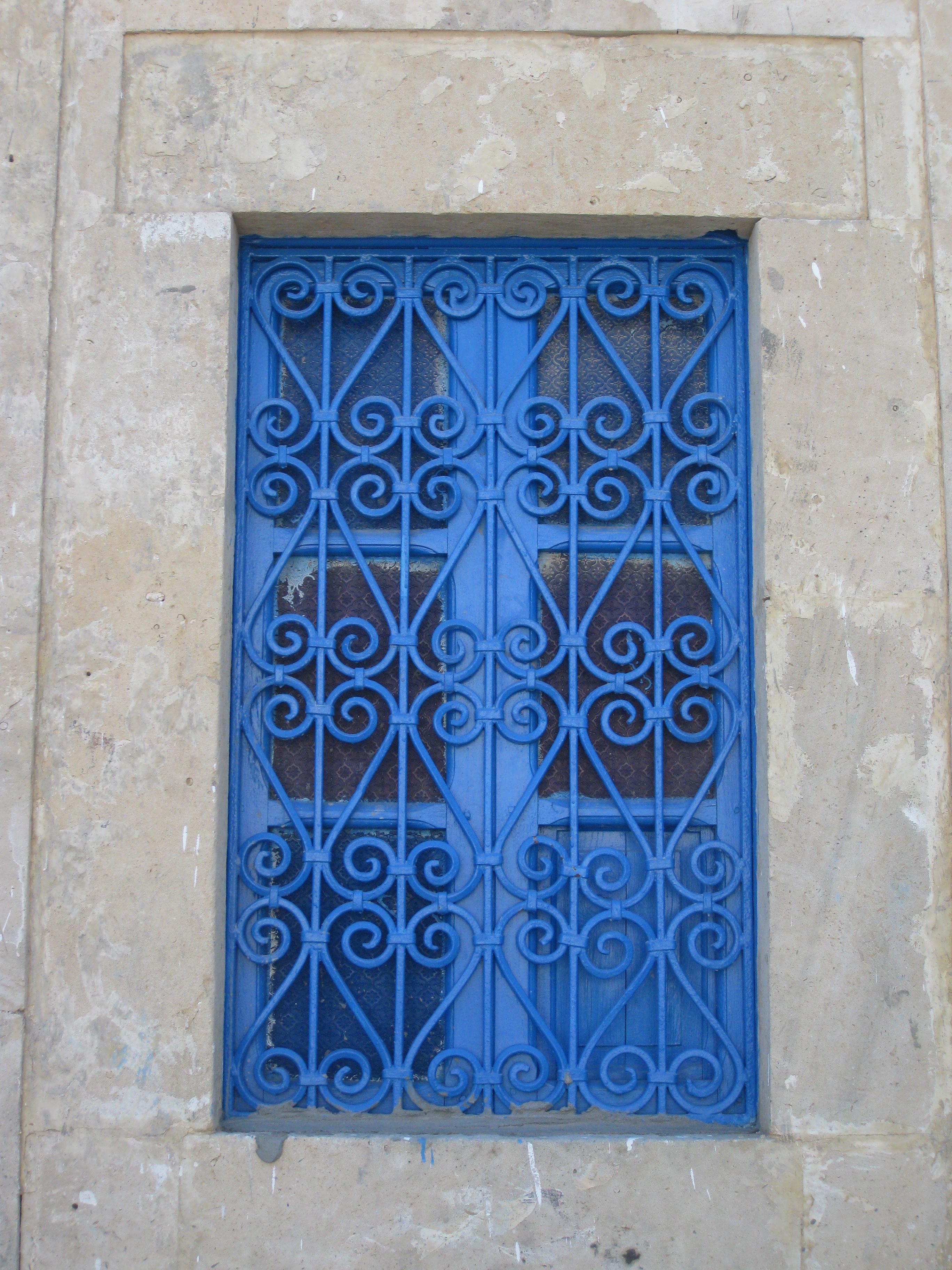 Решетка на окно синяя