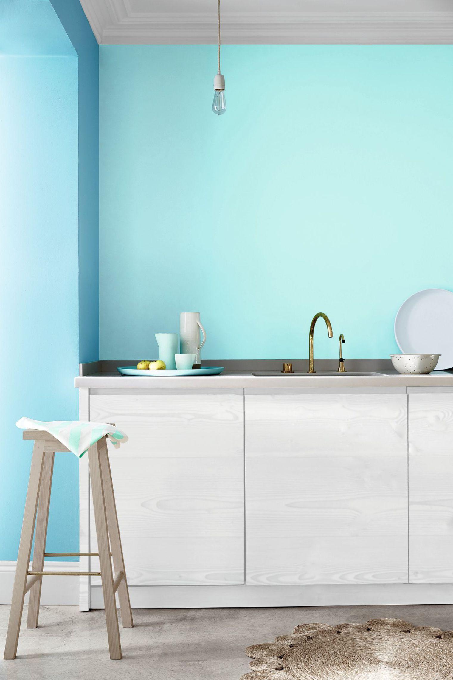 Сочетание голубого цвета на кухне