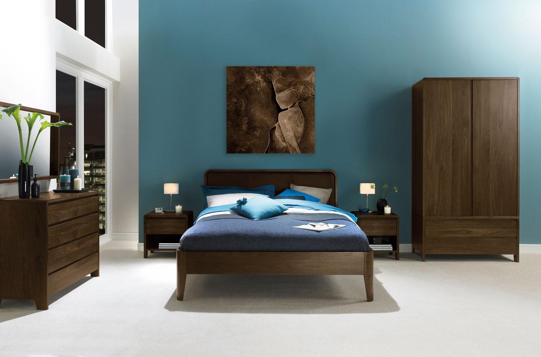 Спальня цвета орех