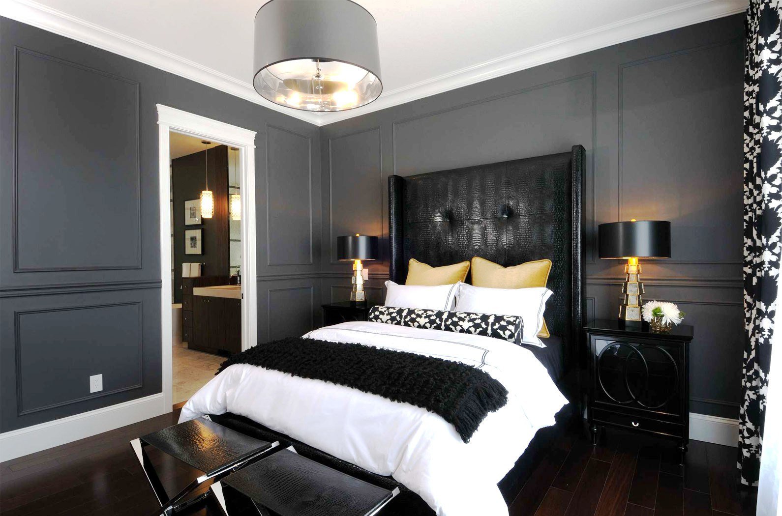 Стильная черно-белая спальня в стиле ар-деко
