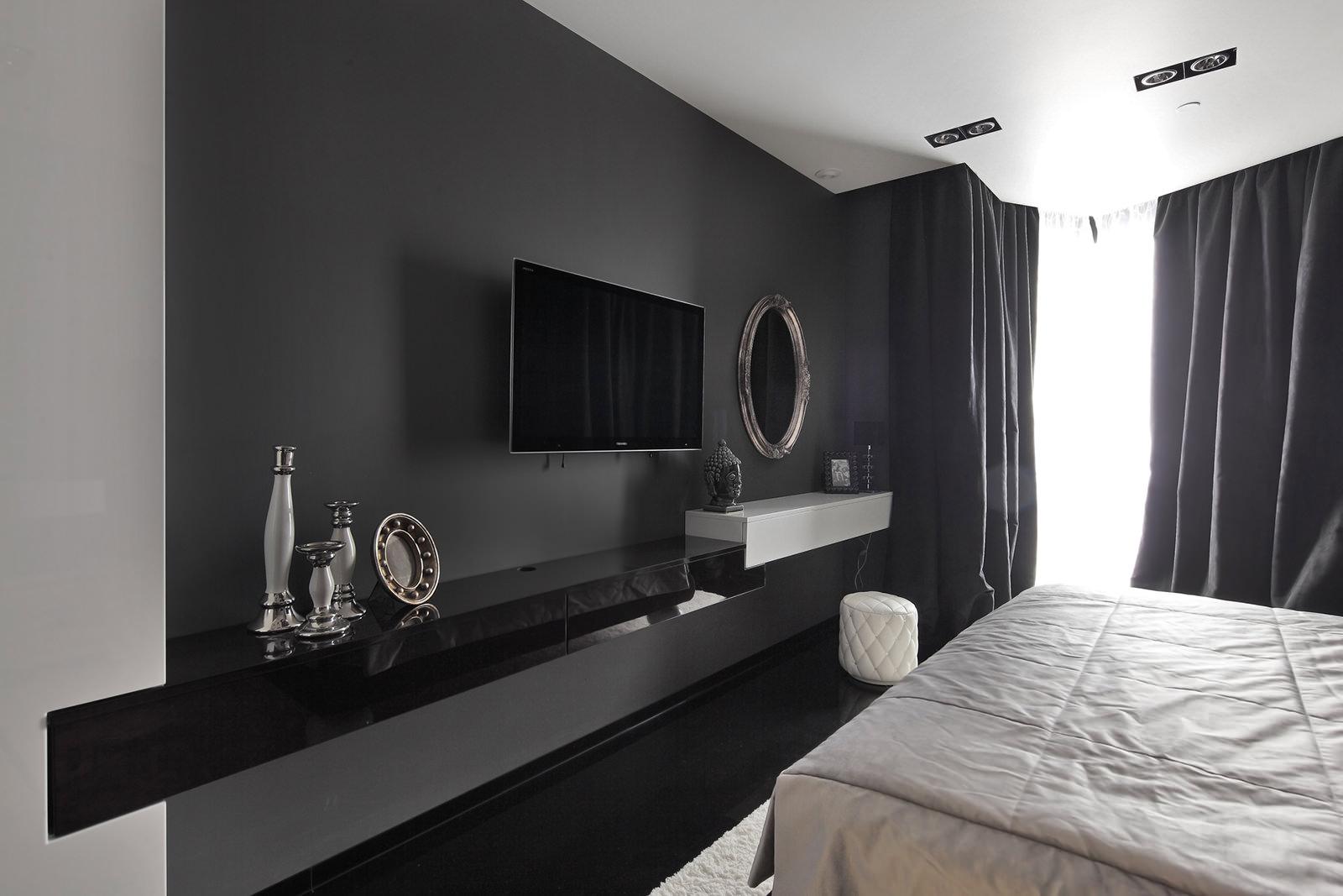 Черно-белая спальня в стиле готика