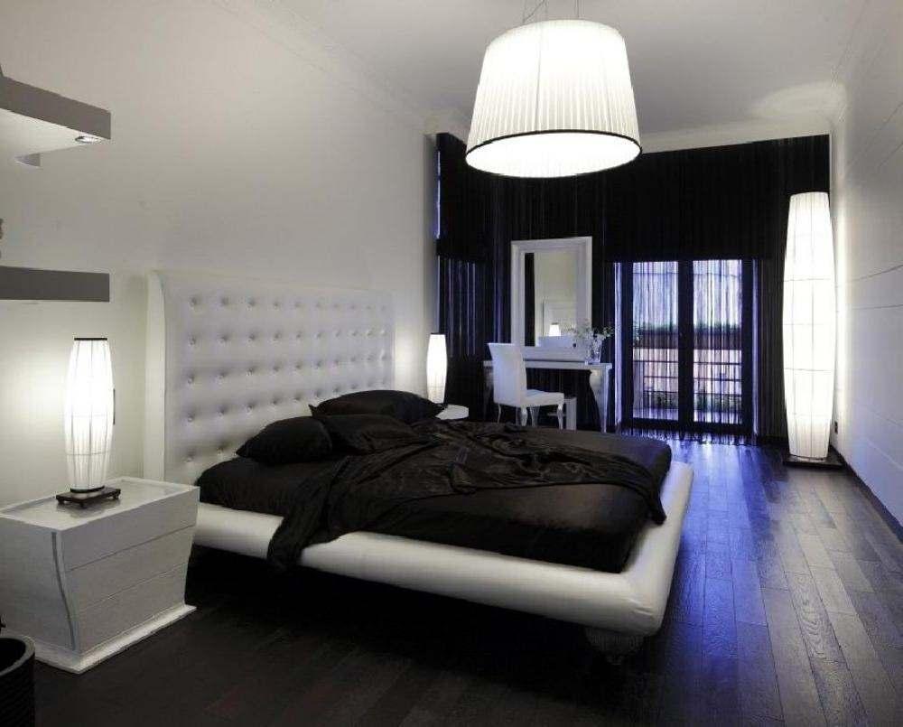 Черно-белая спальня в классическом стиле