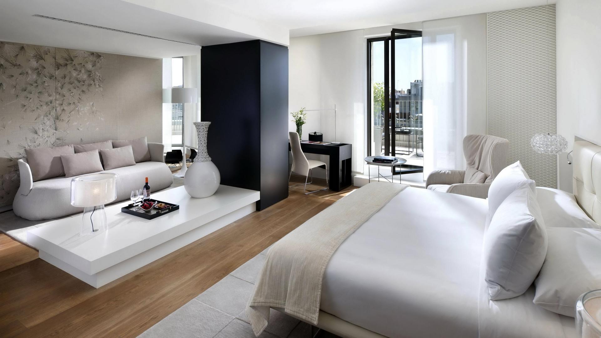 Черно-белая спальня-гостиная