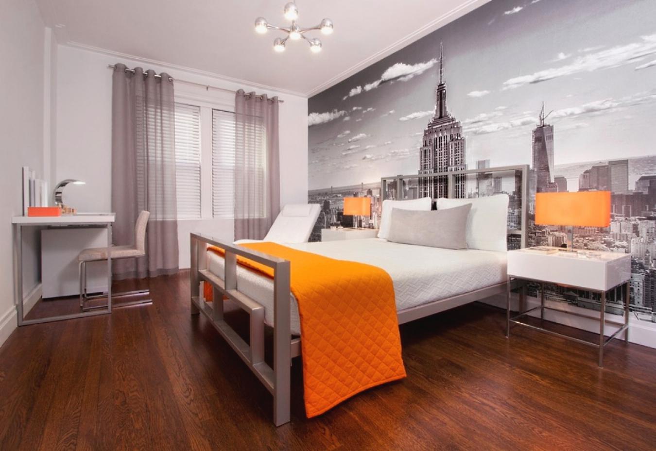 Большие черно-белые фотообои с видом на город в спальне