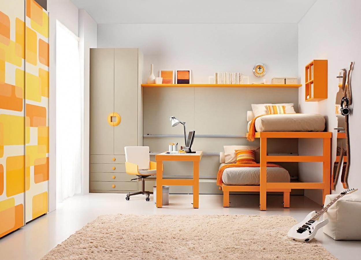 Серый, оранжевый и белый цвета в интерьере детской спальни