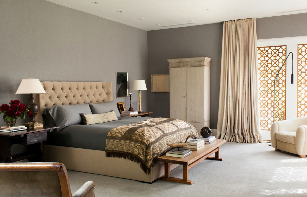 Бежево-серая спальня