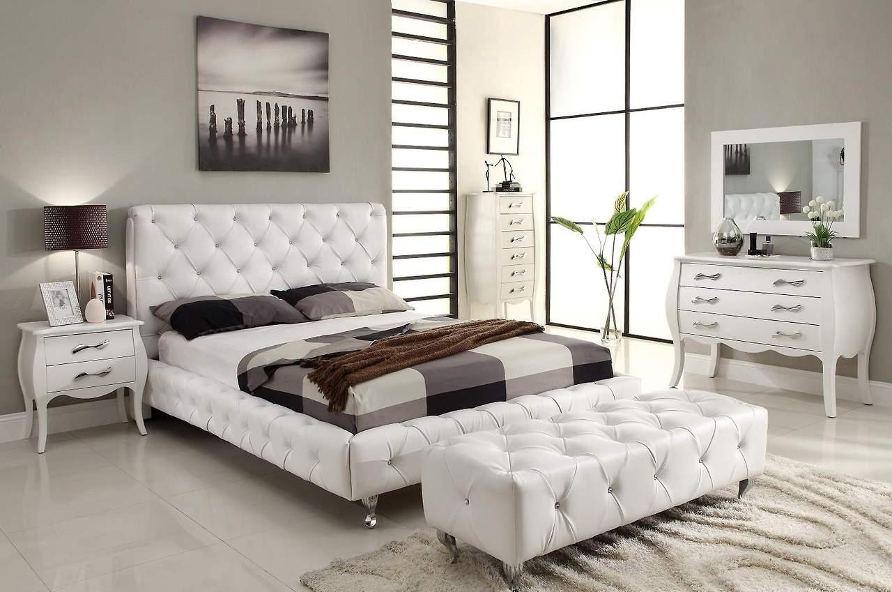 Черно-белая стильная спальня