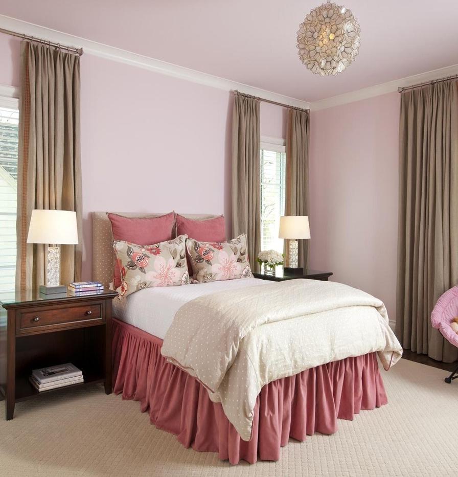 Бежево-розовая спальня