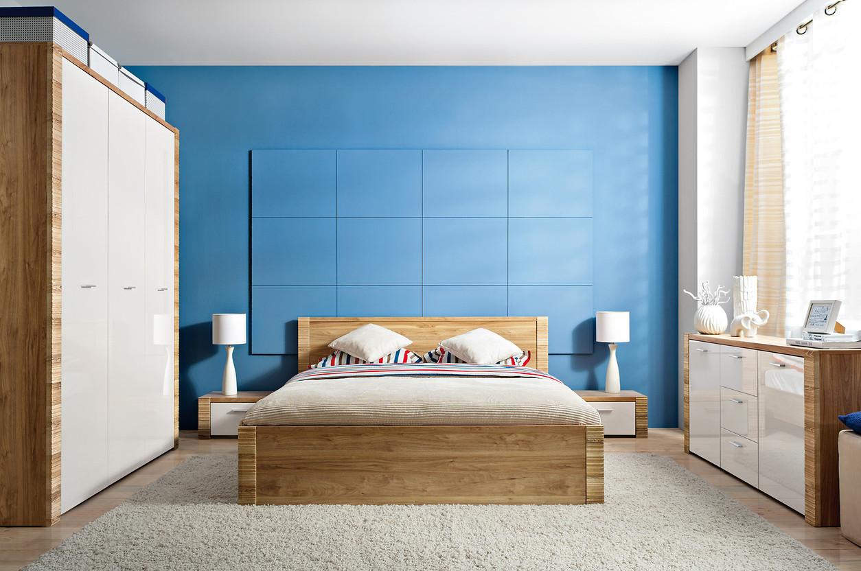 Коричневый, голубой, бежевый и белый цвета в спальне