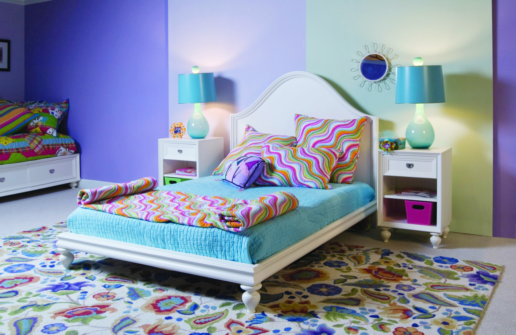 Голубой, зеленый и другие цвета в интерьере детской спальни