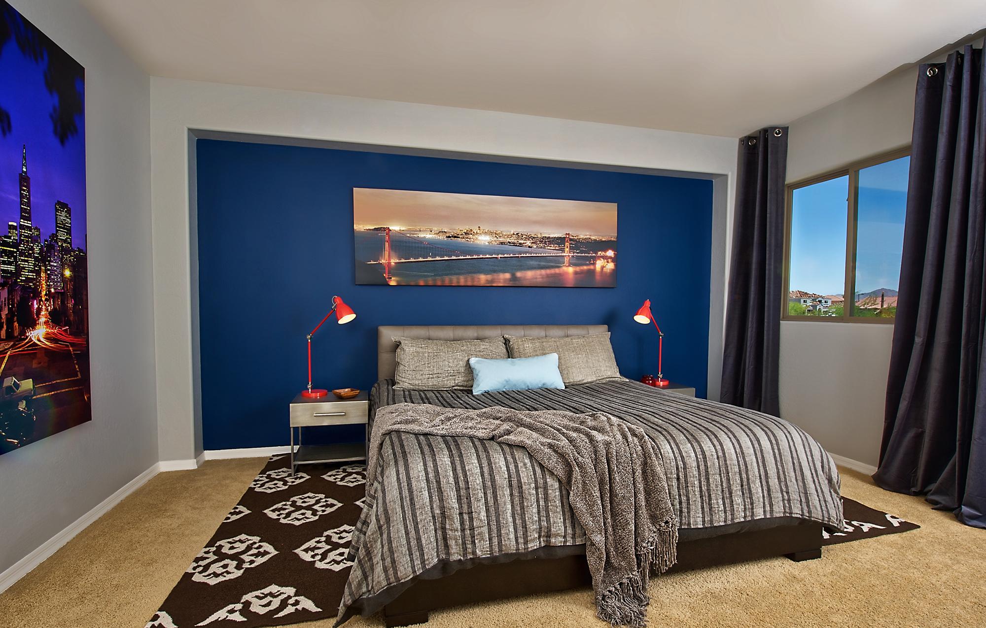 Синяя ниша в спальне