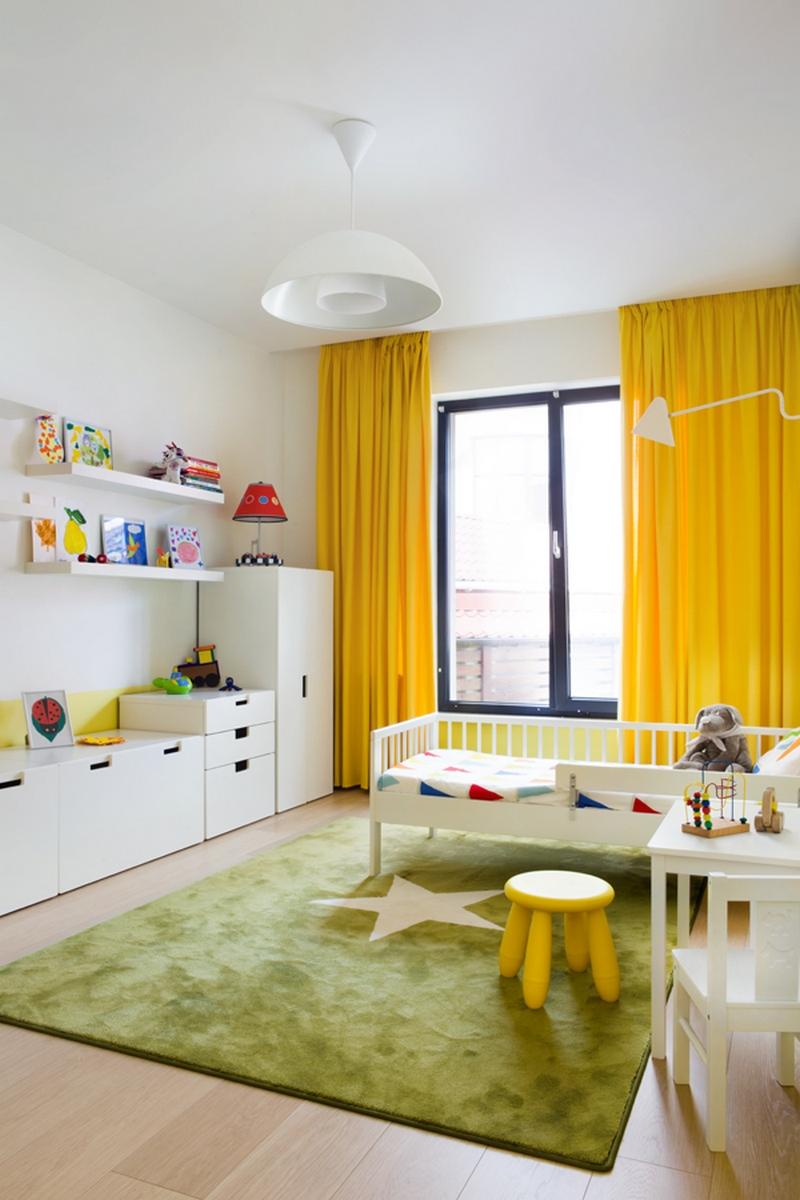 Желтые акценты в детской спальне