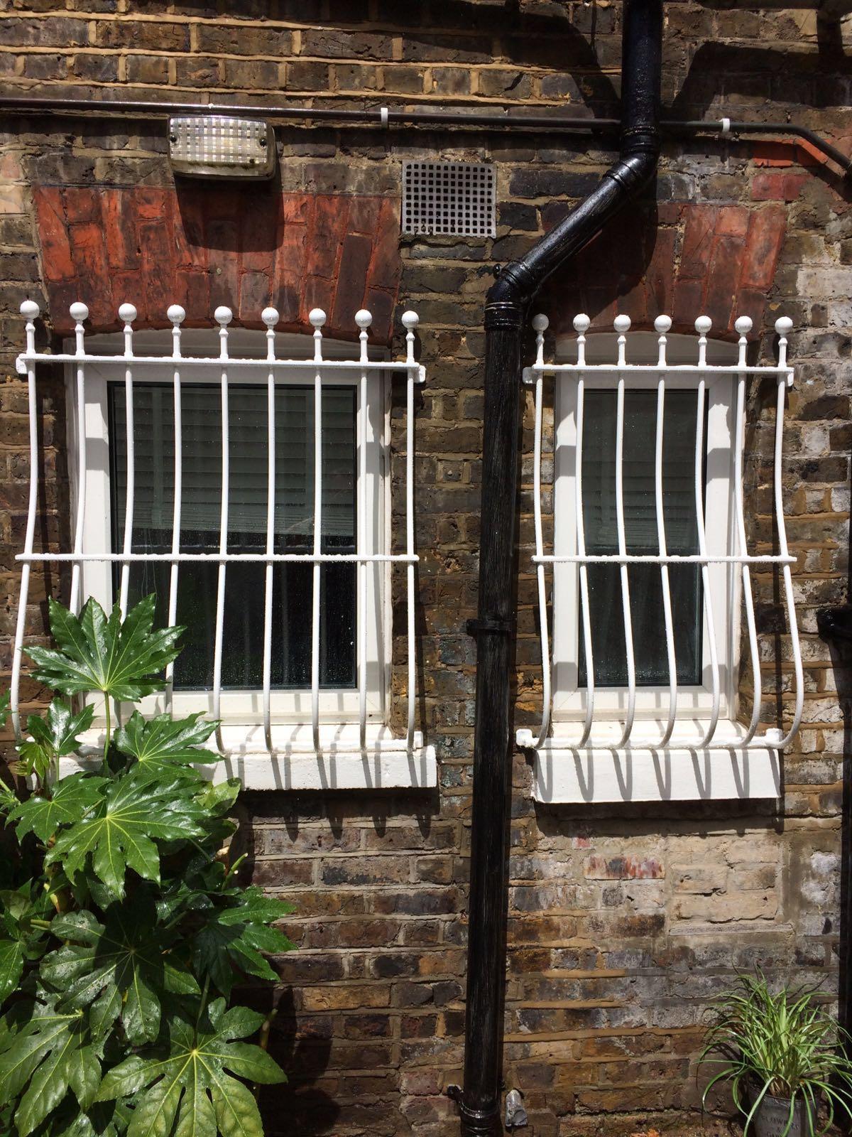Решетка на окно стальная