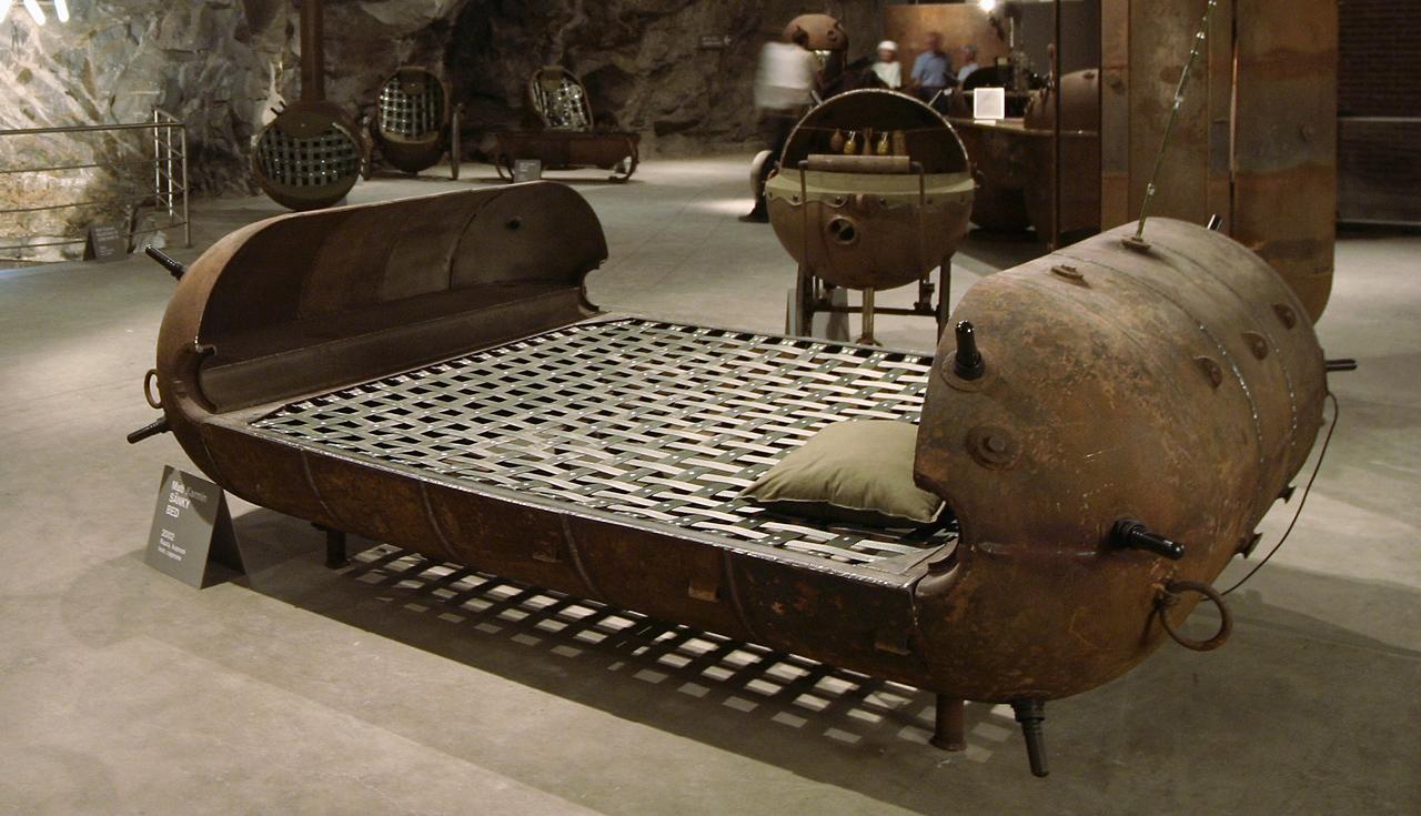 Кровать в стиле стимпанк