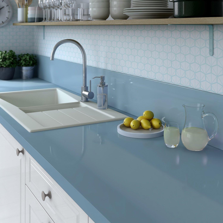 Кухонная столешница в голубых тонах