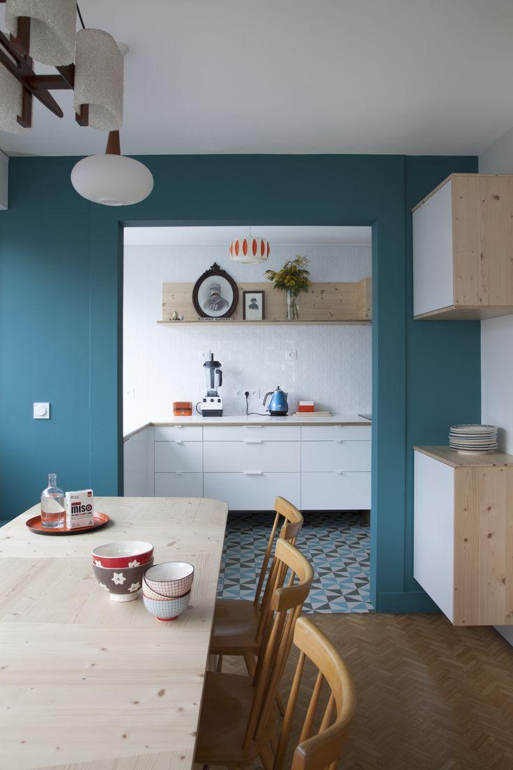 Кухня столовая в голубых тонах